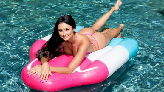 Eliza Ibarra – BabyGotBoobs – Diving For A Good Dicking