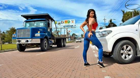 Mariana Lopez – OyeLoca – Another Day In Latina Pussy Paradise