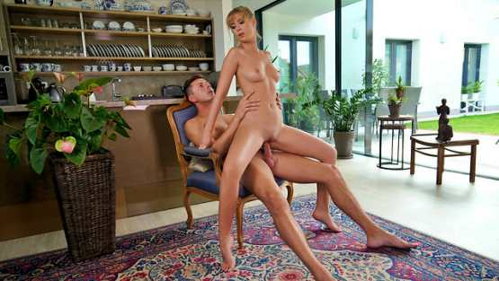 Nubile Films – Casey – Playing To Win