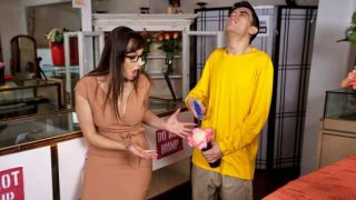 Lil Humpers – Lexi Luna – Fuck The Flowers