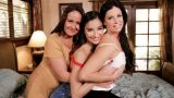 Mommys Girl – India Summer, Emily Willis, Elexis Monroe – Mom Daughter Squirt Sandwich