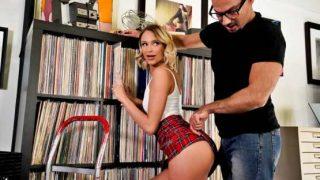 DevilsFILM – Emma Hix – Like A Broken Record