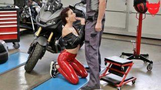 NubileFILMS – Kate Rich – Ride Me Right – S37:E3