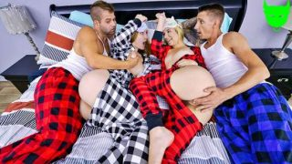 DaughterSwap – Everly Haze, Sophia Sweet – Keeping Them Warm